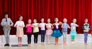 Oxted, Limpsfield, Surrey Dance classes, children dance , ballet, modern dance, strictly, waltz, workshop