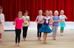 Limpsfield, Oxted, children dance classes, modern dance , ballet, ballroom