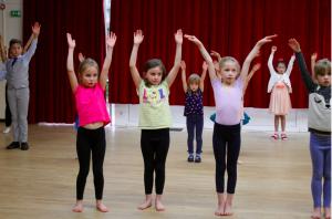 Limpsfield, Oxted, children dance classes, ballet, modern, funky feet